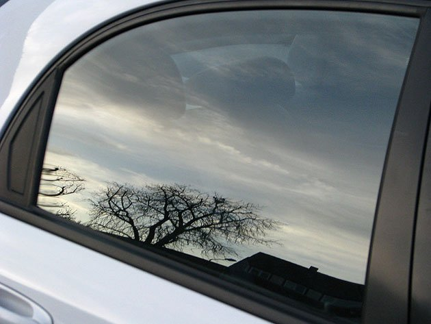 أسباب-تعطل-حركة-زجاج-السيارة