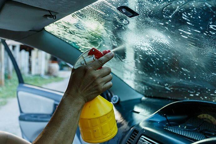 نصائح-لتنظيف-زجاج-السيارة