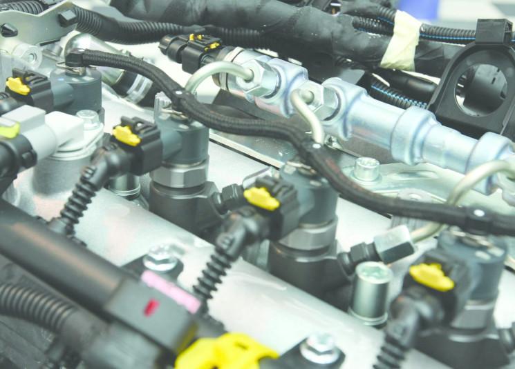 أهمية-عمل-البخاخات-وتأثيرها-على-أداء-محرك-السيارة